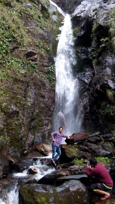 amazing sathali waterfall bharmour